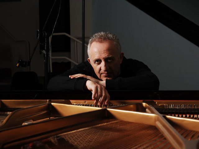 Bramwell Tovey at the piano